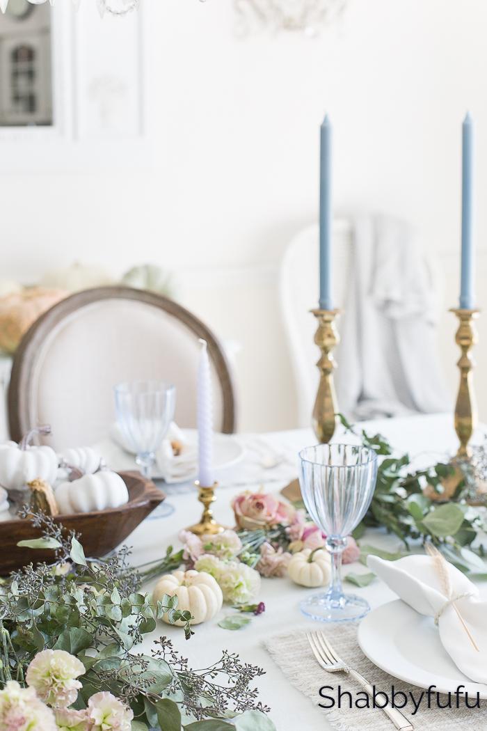 feminine style thanksgiving table setting