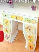 http://manualidadescarton.blogspot.com.es/2016/11/mueble-tocador-de-carton.html