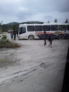 RJ 140 EM ARRAIAL DO CABO VOLTA A SER TOTALMENTE INTERDITADA PELA DEFESA CIVIL