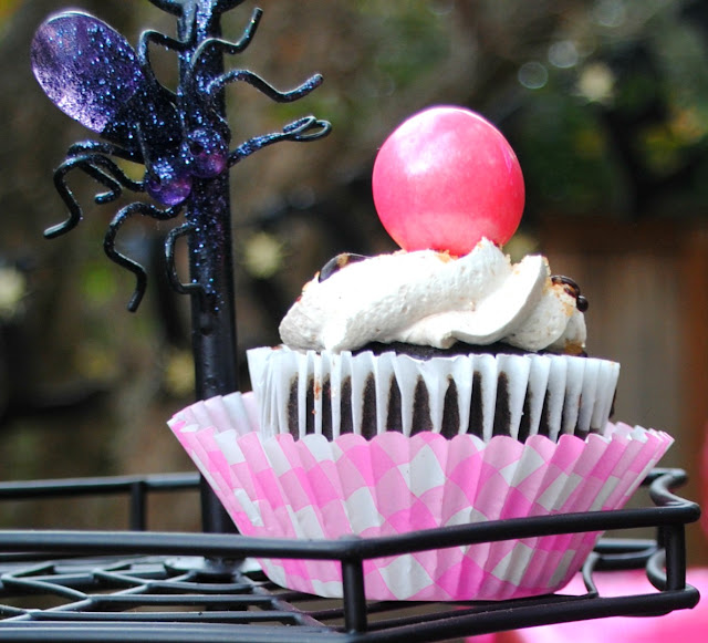 Pink cupcakes for Halloween
