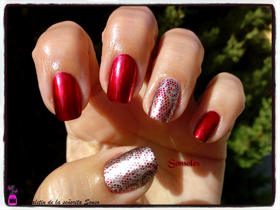 El Maletin De La Señorita Sonso Manicura Roja Mirror Encaje