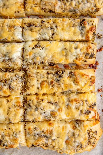 Baked cheesy pesto breadsticks