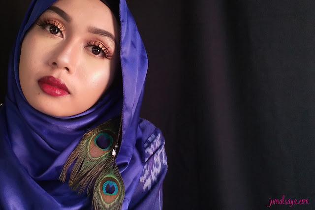 make up glamor untuk wisuda