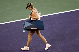 Sharapova upset by Osaka in 1st round at Indian Wells
