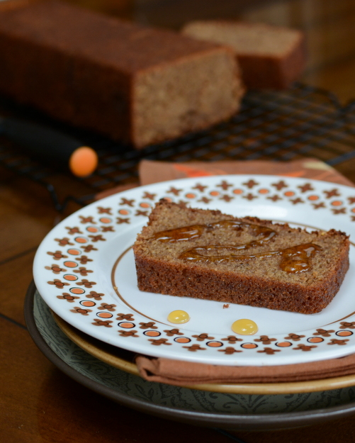 Spiced Honey Cake ♥ KitchenParade.com, sweetened with honey, warm with fall- and cold-weather spices.