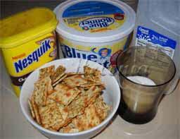 масло сливочное - 80 г; - молоко - 1 1/2 стакана; - какао - 3 ст.л;
