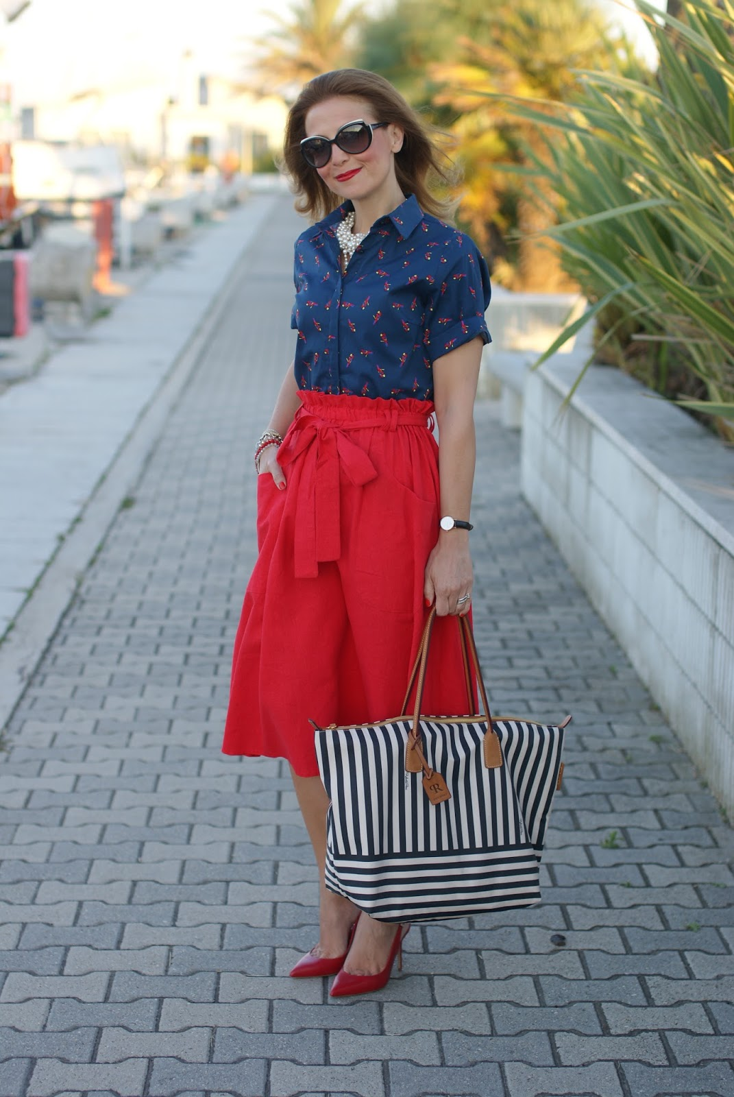 Fashion and Cookies Vale wearing a Robertina by Roberta Pieri striped bag on her fashion blog