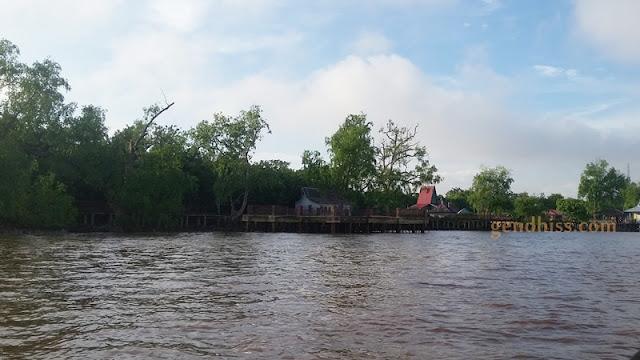 Pulau Kembang dari perahu sebelum merapat ke dermaga