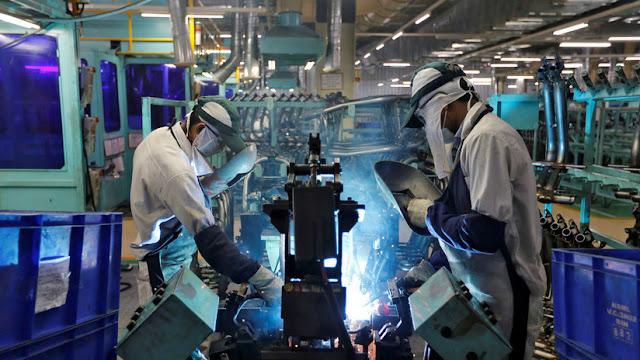 Empresas manufactureras de EE.UU. estudian reubicar en la India sus fábricas en China
