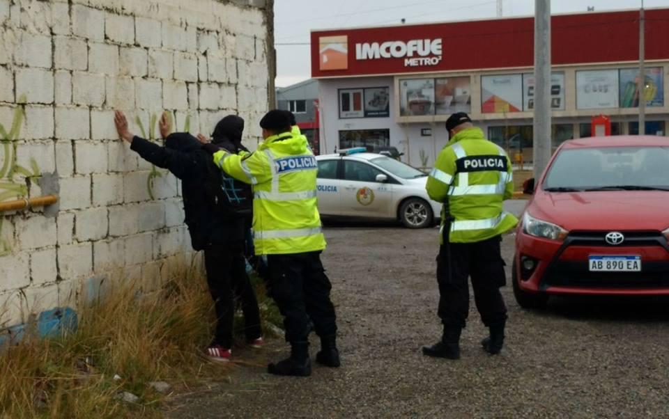 Tres detenidos por una pelea callejera