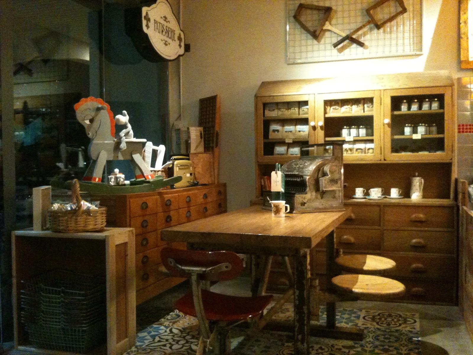 Trackfindings cafes interior design decoration - Interior design and decoration ...