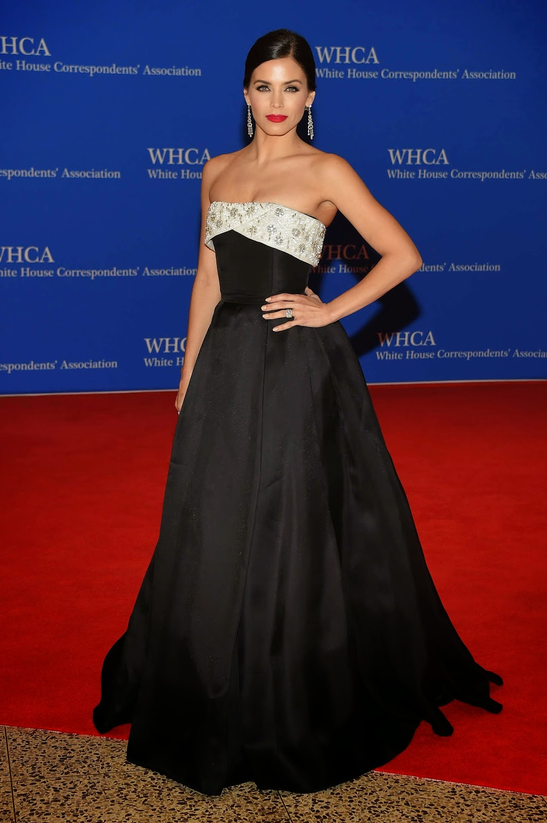 Jenna Dewan-Tatum is elegant in a strapless gown at the 2015 White House Correspondents' Association Dinner
