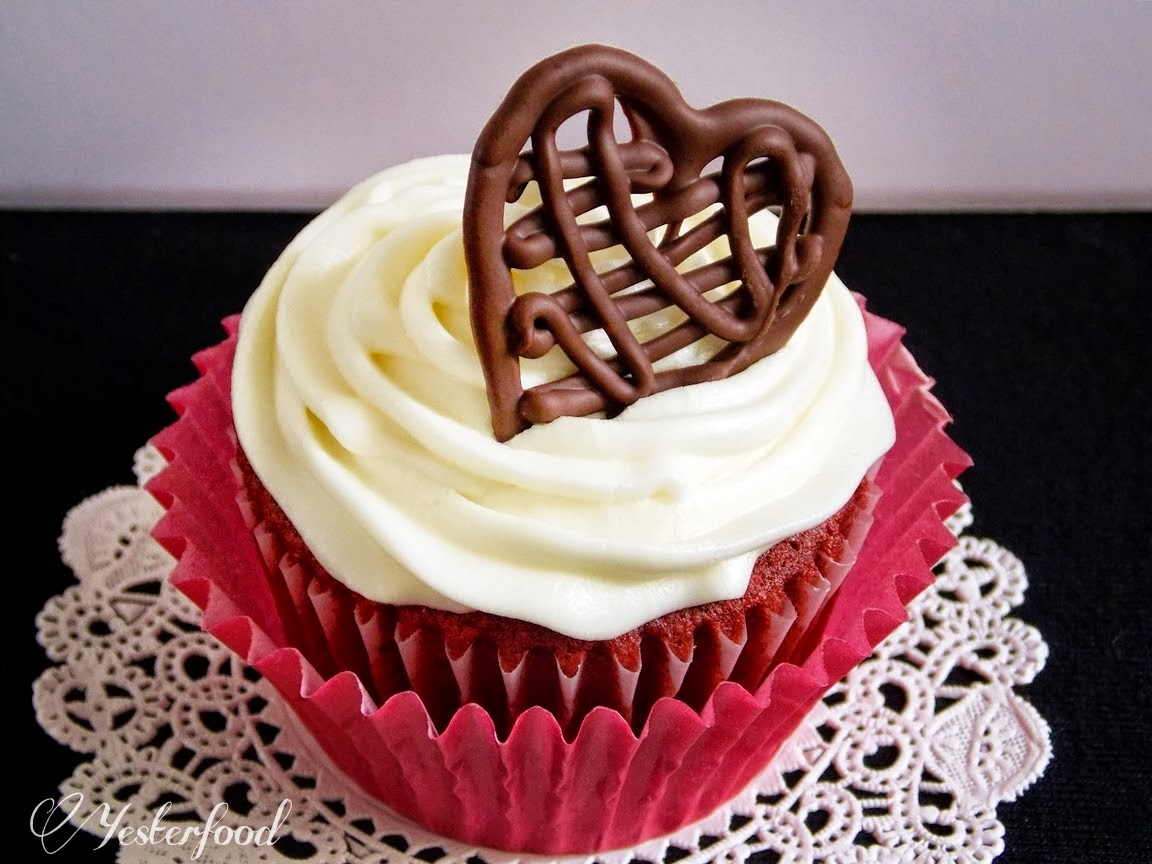 make-chocolate-drizzle-heart