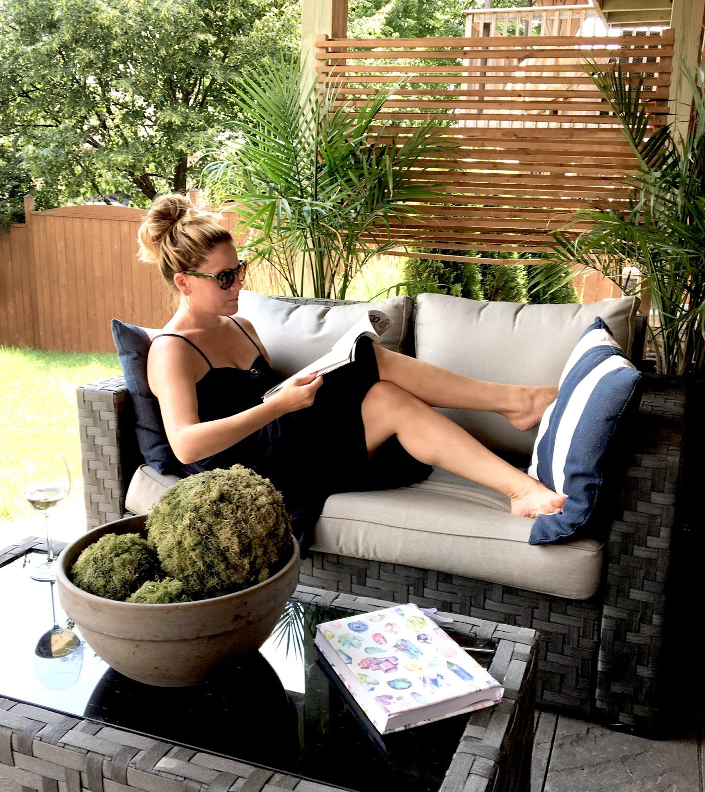 DIY Outdoor Privacy Screen - Harlow & Thistle - Home ...