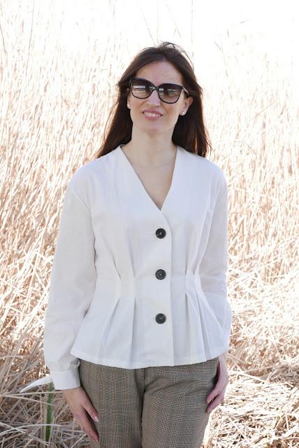 62d6ed9a4 Blusa blanca Patrones ~ Moda en la Costura