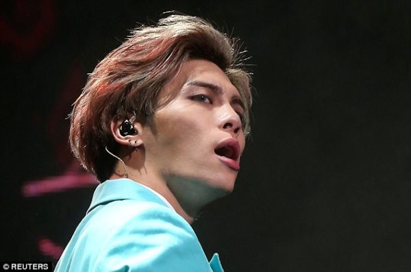 Lead singer of South Korean Boyband commits suicide