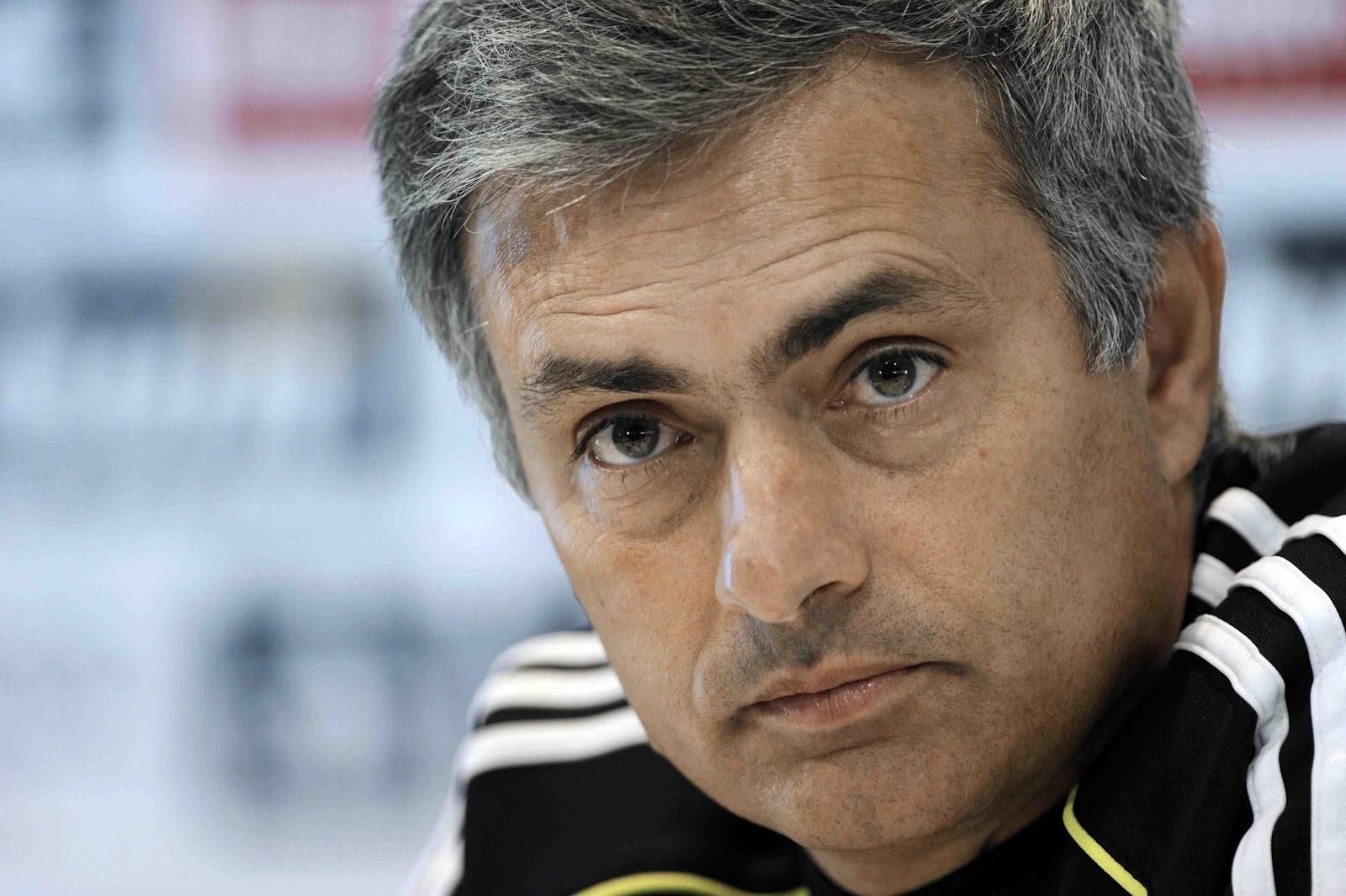 Tetap Tinggal di MU, Mourinho Belum Berminat Pegang Tim nasional
