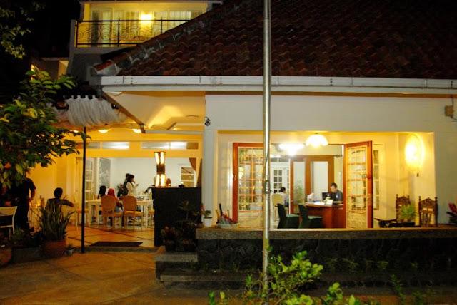 La Nostalgie Boutuque Guest  House Bandung