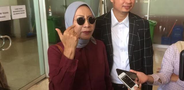 Ratna Sarumpaet Tantang Dua Menteri Jokowi Gugat RSCC
