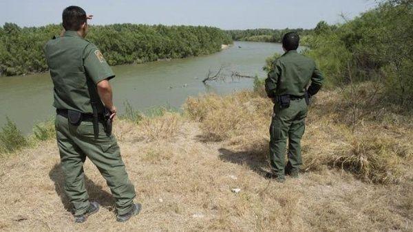 EE.UU. despliega efectivos en frontera con México para prohibir entrada de niños