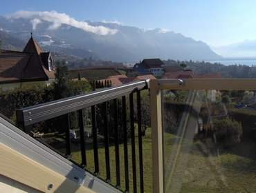 vitrotoit jour apr s jour fen tre balcon velux gdl cabrio. Black Bedroom Furniture Sets. Home Design Ideas