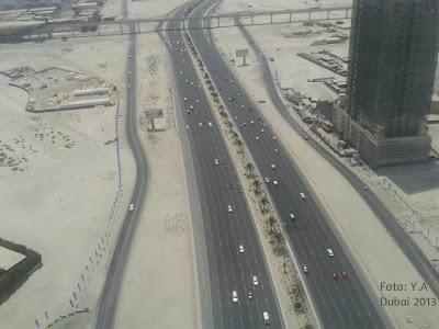 autostrada prin desert
