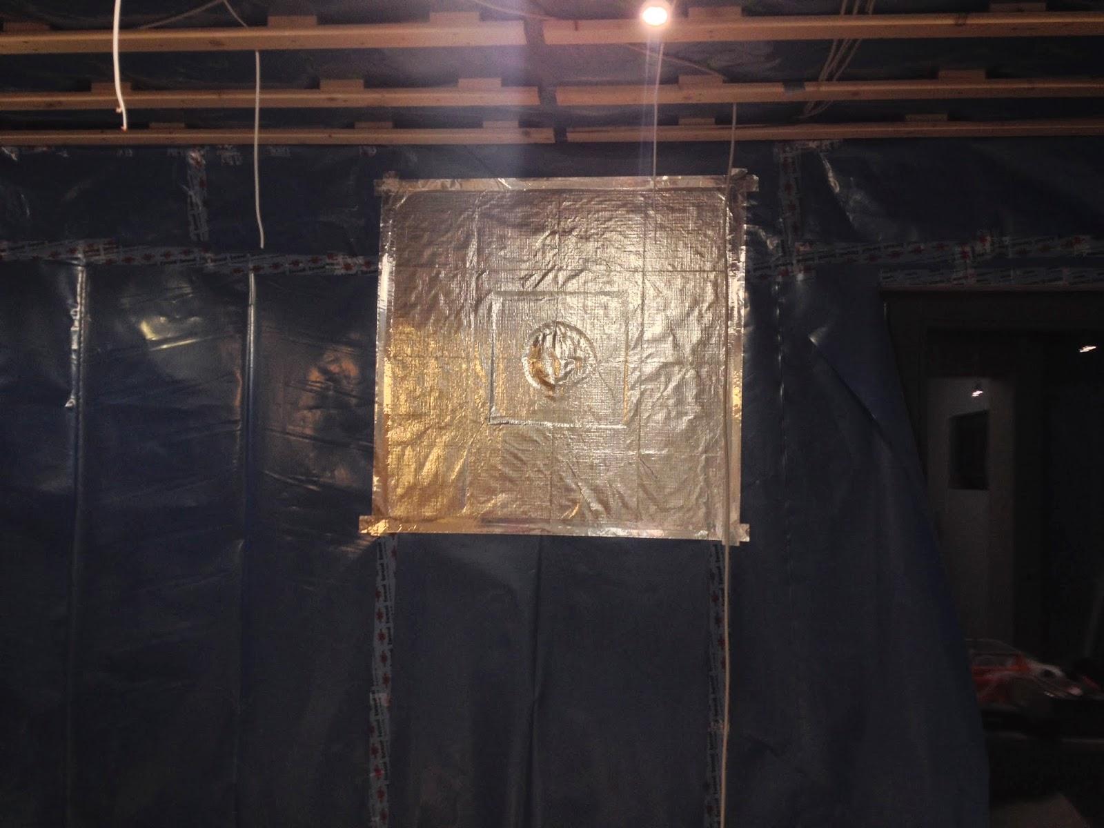 wand mit gipskarton verkleiden wurde das ganze mit osbplatten fr mehr und als dampfsperre und. Black Bedroom Furniture Sets. Home Design Ideas