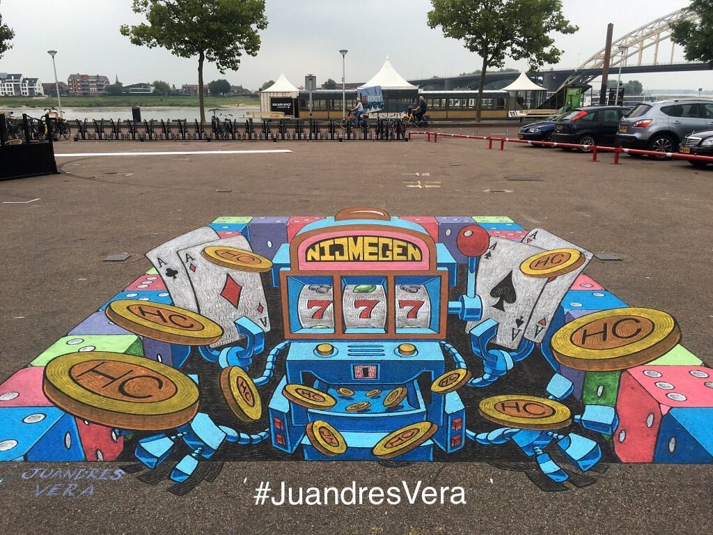 12-The-Robot-Slot-Machine-Juandres-Vera-3D-Pavement-Drawings-and-Mural-Paintings-www-designstack-co