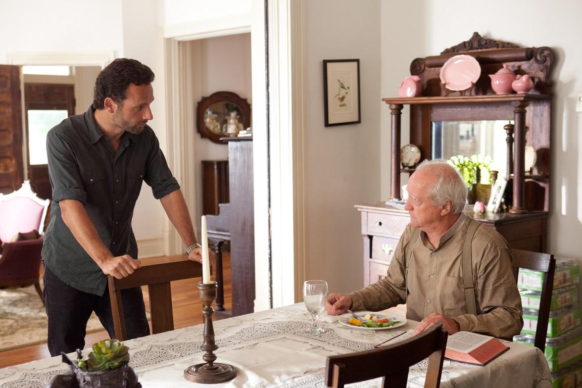The Walking Dead - Season 2 Episode 07: Pretty Much Dead Already