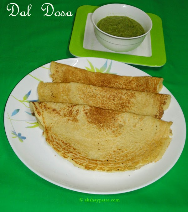 dal dosa with chutney in serving plate - dal dosa recipe