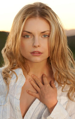 top celebrity xxx: Awesome pictures of Izabella Miko