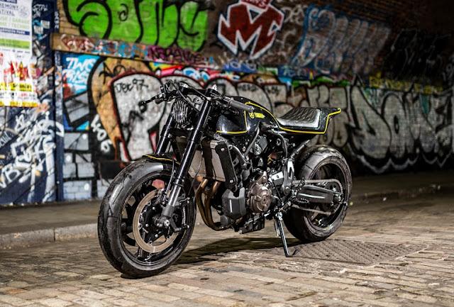 Yamaha XSR 700 02