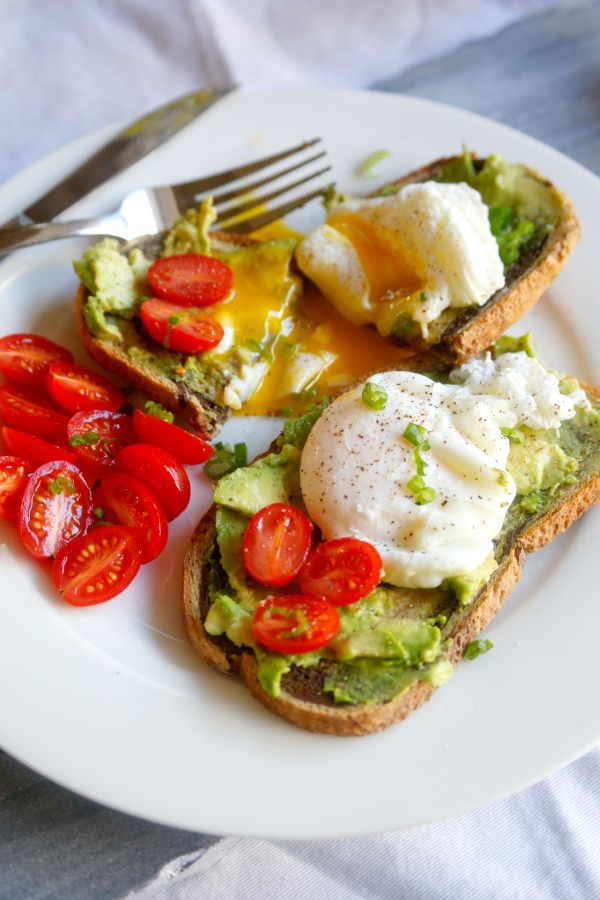 how to make poached eggs on toast