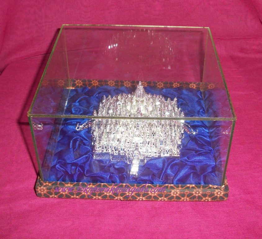 miniatur candi borobudur silver plated
