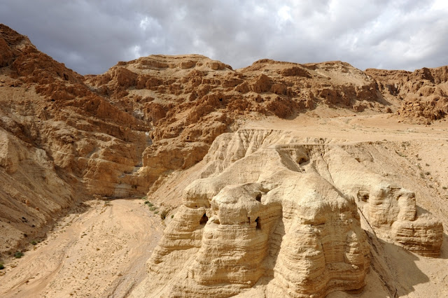 33 newly discovered ancient skeletons may solve mystery of Dead Sea scrolls authorship