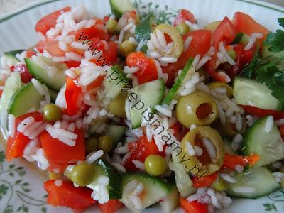 Sałatka z ryżu i oliwek