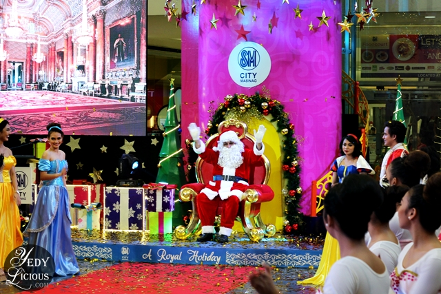 Santa Claus at SM City Masinag