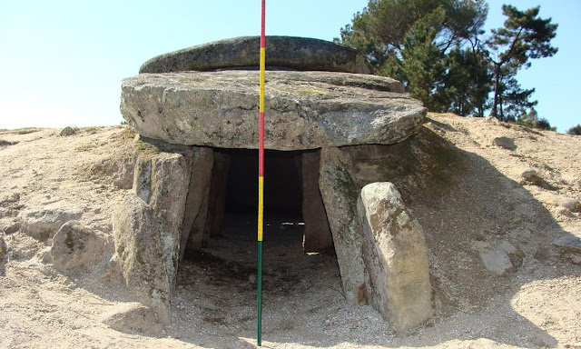 Prehistoric tombs enhanced astronomical viewing