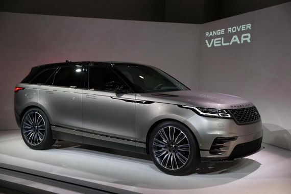 range rover launches their new model an intl journalist thinks it will be spotted in lagos. Black Bedroom Furniture Sets. Home Design Ideas