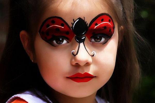 maquillaje infantilde mariquita para disfraz
