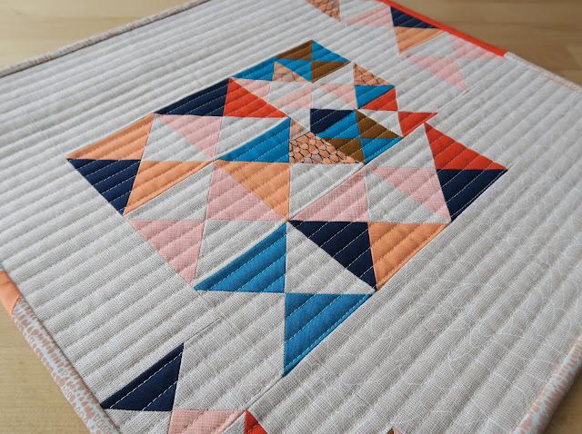 Luna Lovequilts - Improv Hourglass quilt block