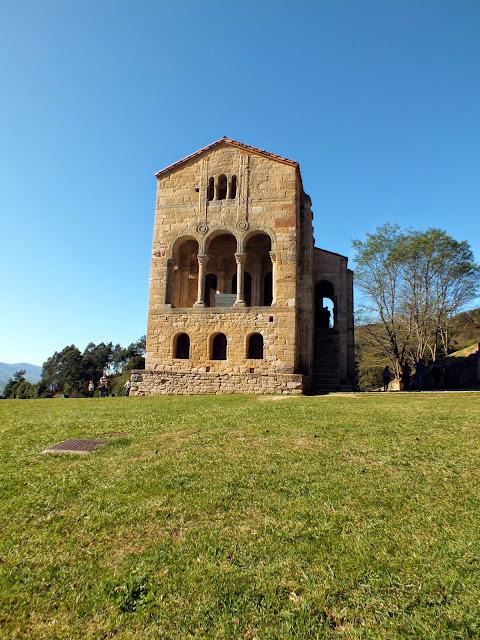 Santa María del Naranco en Oviedo