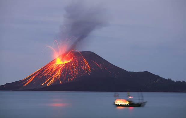 Arti Mimpi Melihat Gunung Meletus