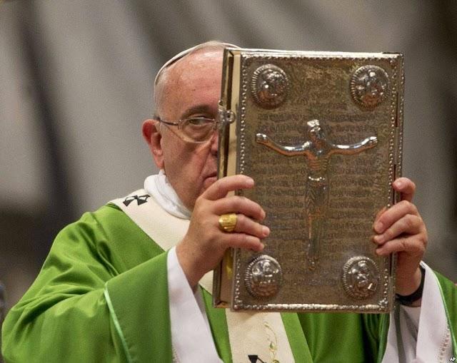 Người ta đã mở cửa để cho phép những kẻ vô thần xúc phạm đến Giáo Hội của Ta