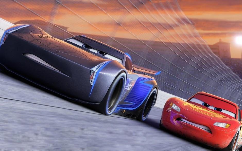"Relâmpago Mcqueen retorna às pistas no trailer inédito de ""Carros 3"""