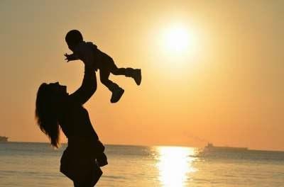 حكم وكلام جميل عن الام