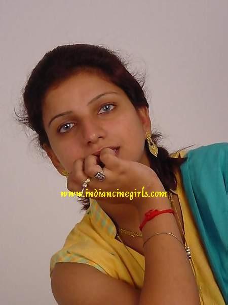 Tamil Aunties Hot Sarees Boobs Showcase Photos-6591