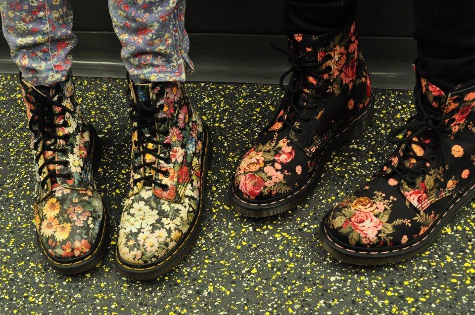 emmet garage sale  Dr.Martens 1460 Victorian Flowers Womens Boots 33e1484d0f36