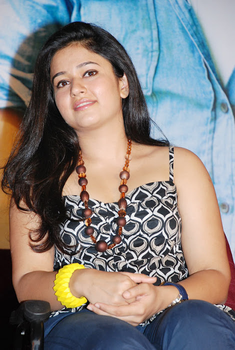 Beauty Galore Hd  Poonam Bajwa Hot Armpit Sizzling -5406