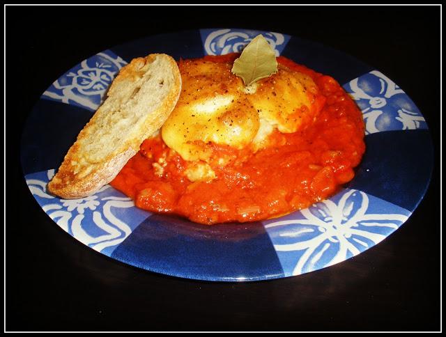 Bacalao en Salsa de Tomate con Alioli Gratinado